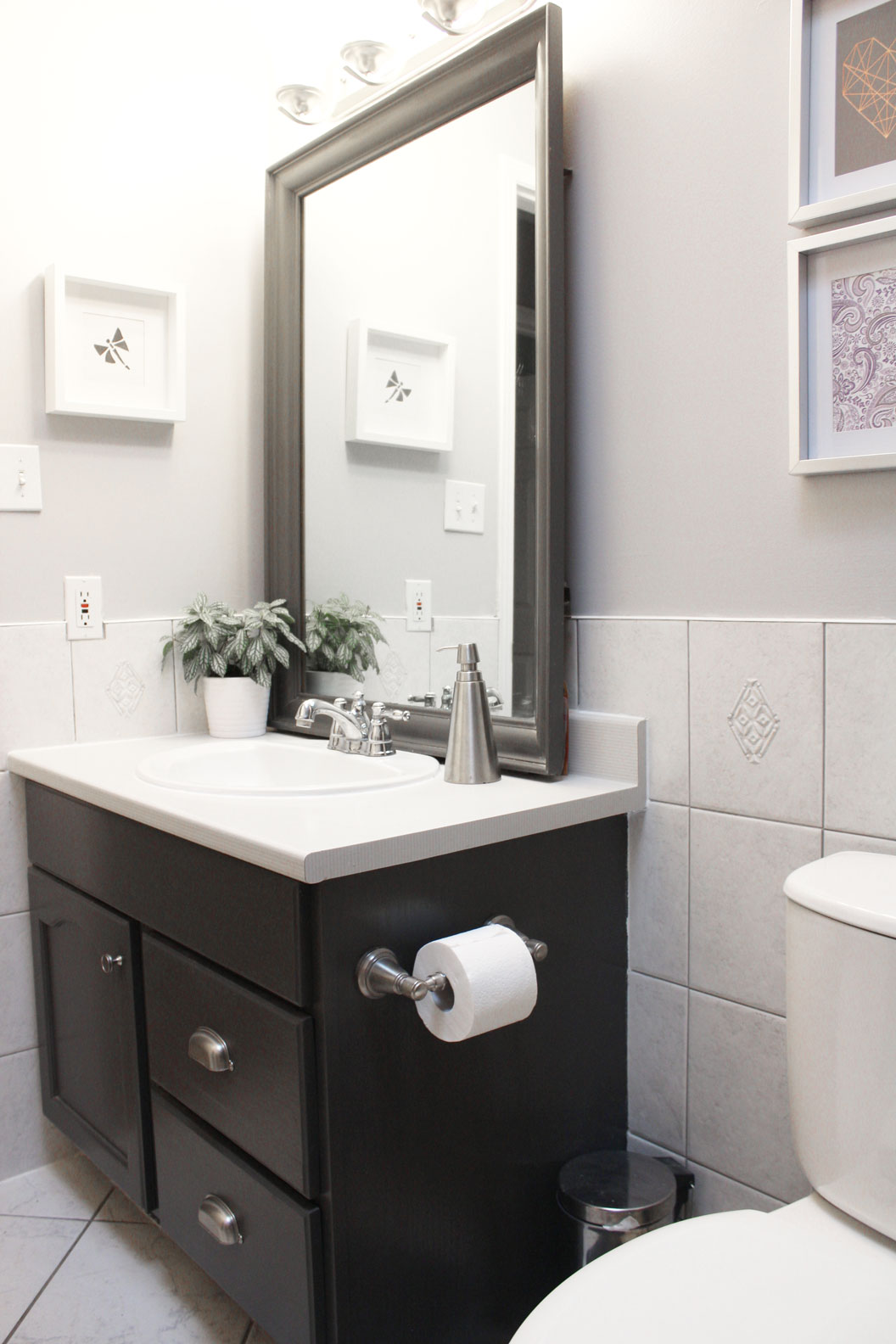Updating A Bathroom On A Small Budget Nikki S Plate