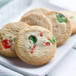 4 Ingredient Gluten Free Shortbread Cookies || Easy, delicious and healthy Christmas cookie for all members of the family!