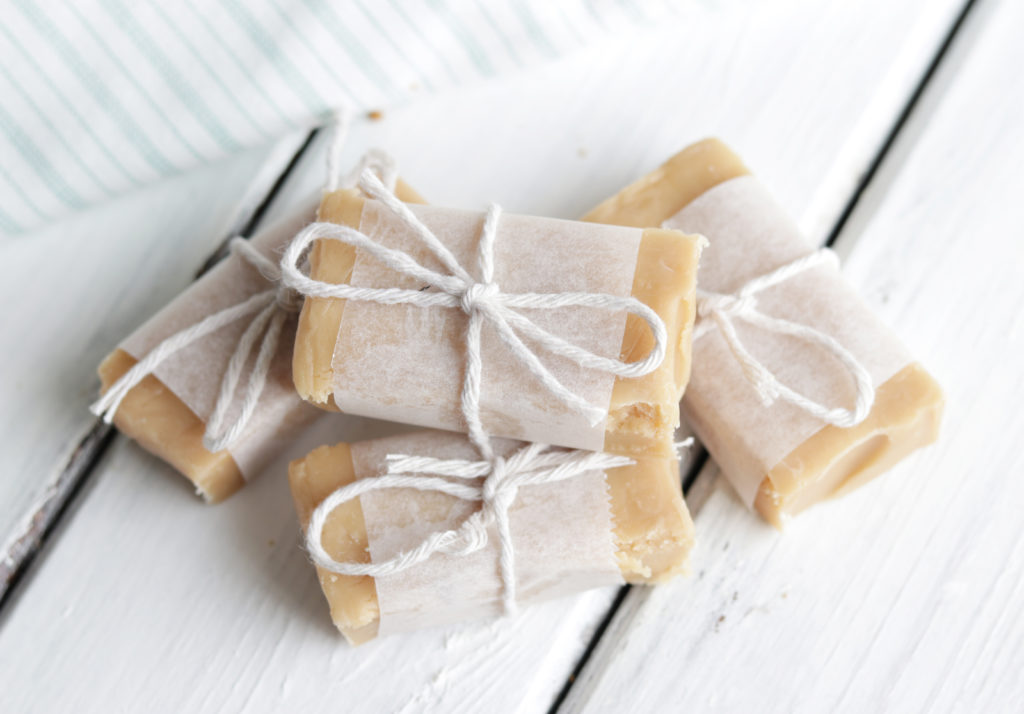 Healthy Peanut Butter Caramel Fudge; 4 ingredient healthier version of our favourite peanut butter and caramel fudge.