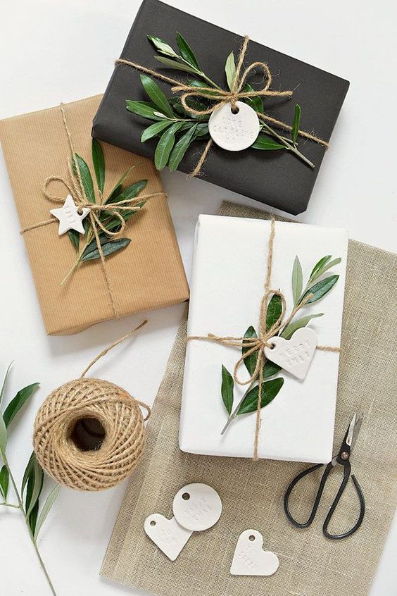 This all-natural, rustic gift wrapping is perfect for those who love the neutral, minimalist look