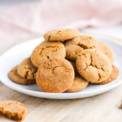 These healthier ginger molasses cookies are crunchy on the outside yet chewy on the inside. Using oat and almond flour, and non processed sugars, these cookies will leave you feeling guilt freeThese healthier ginger molasses cookies are crunchy on the outside yet chewy on the inside. Using oat and almond flour, and non processed sugars, these cookies will leave you feeling guilt free! #gingermolassescookies #healthy    Nikki's Plate
