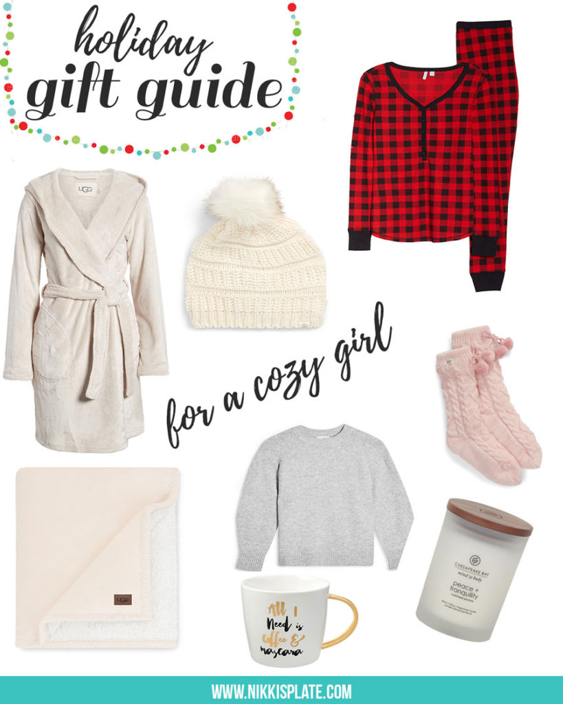 The Cozy Girl Holiday Gift Guide; Know someone who loves to stay at home, cuddled up, staying warm? Here are the perfect Christmas presents for her!