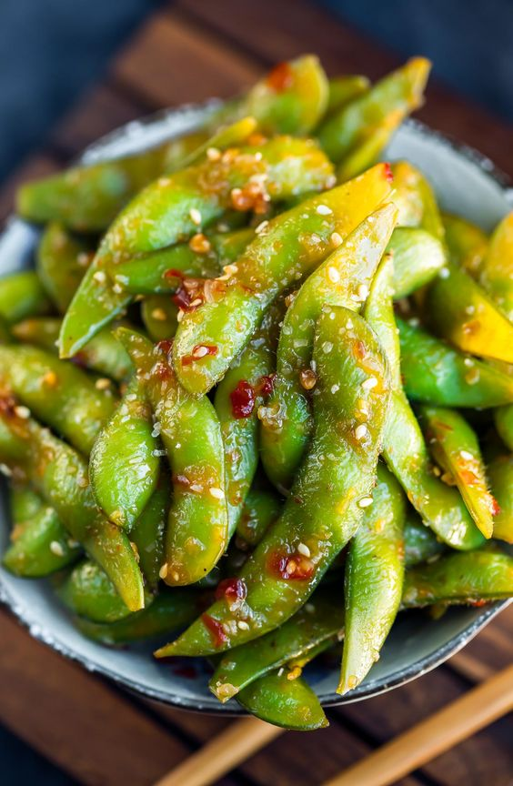 Snacks that Really Healthy People Eat; edamame
