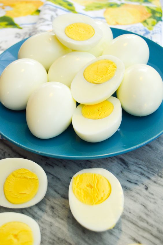 Snacks that Really Healthy People Eat; hard boiled eggs