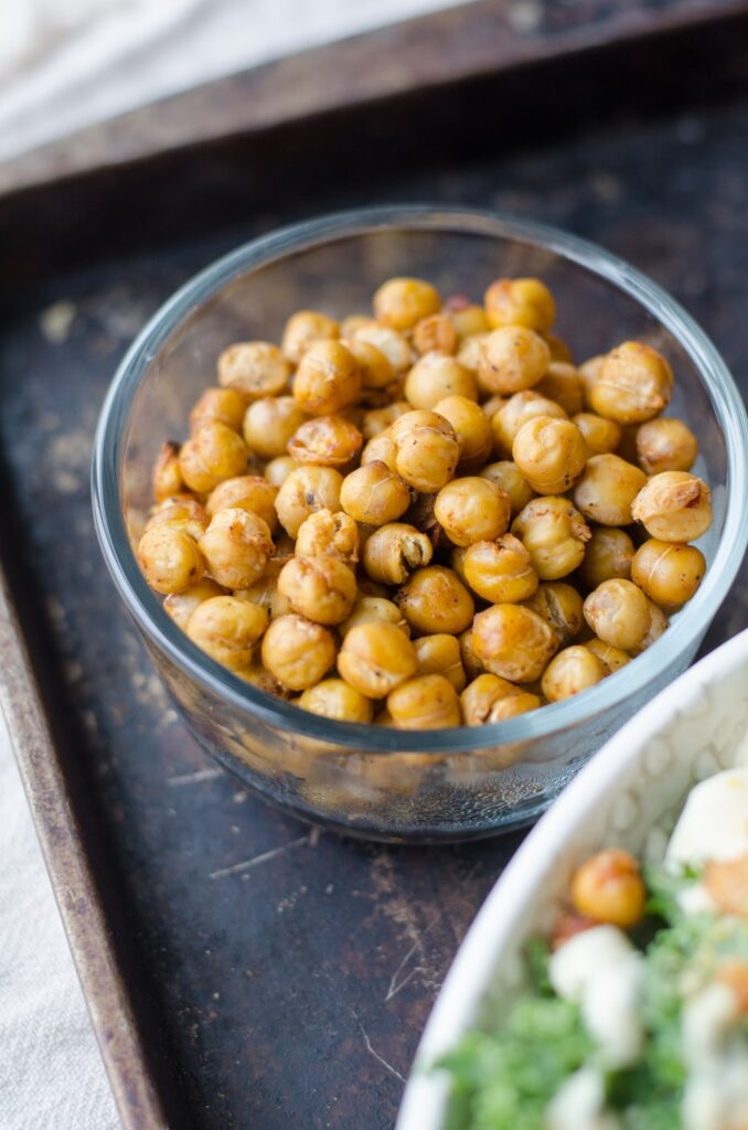 Snacks that Really Healthy People Eat; roasted chickpeas