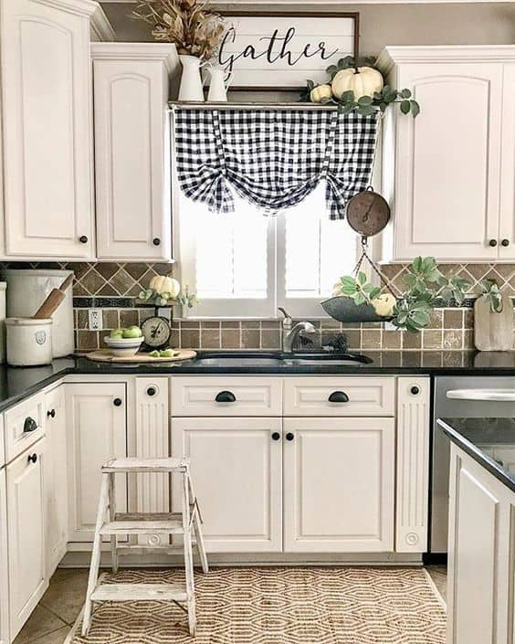 Tips for styling a farmhouse kitchen; white cabinets
