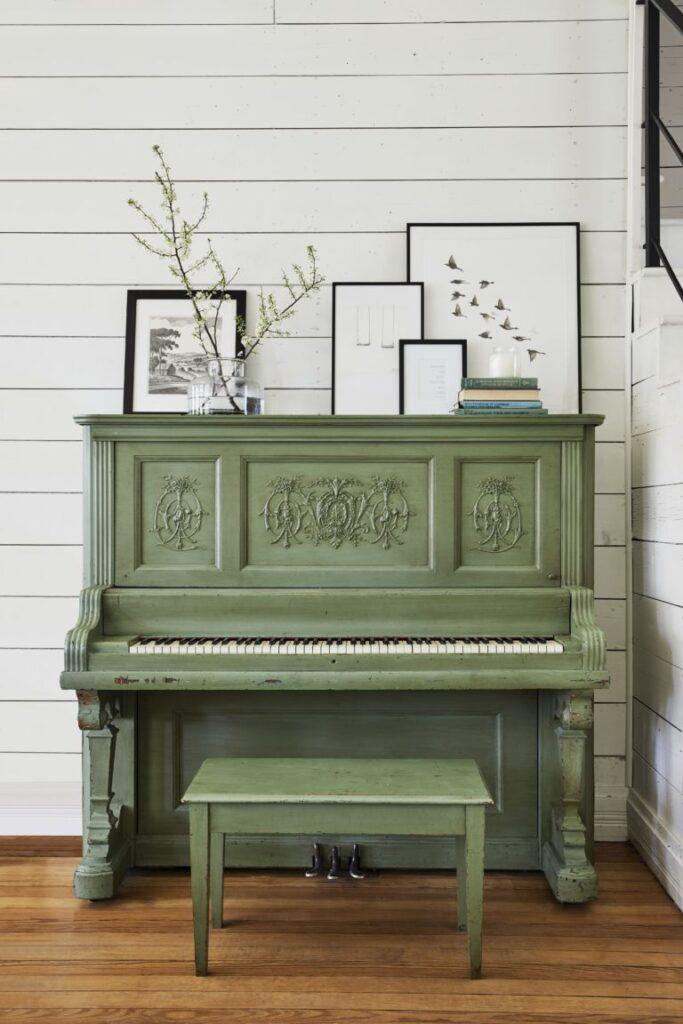 Green piano, antique piano: oanna Gaines Full Farmhouse Tour: Entire look inside Chip and Joanna Gaines's home