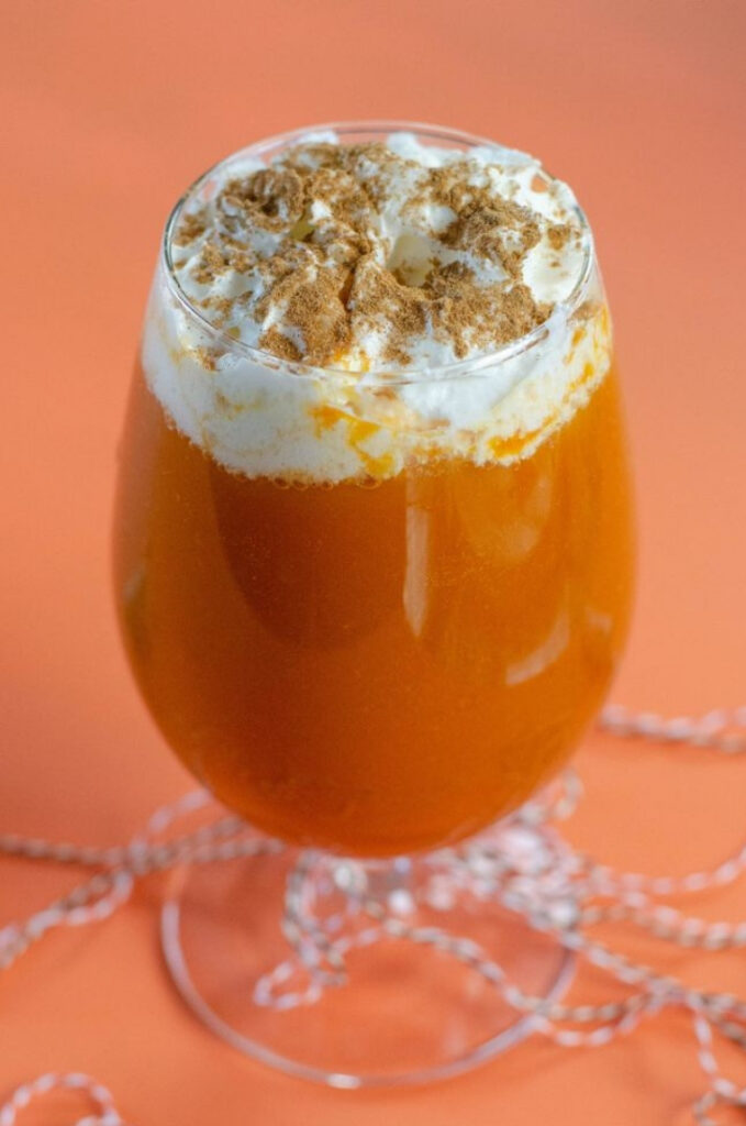 Pumpkin Pie Boozy Punch - 15 Delicious Pumpkin Drinks for Foodies; Easy and tasty fall drinks to sip on during the autumn season!