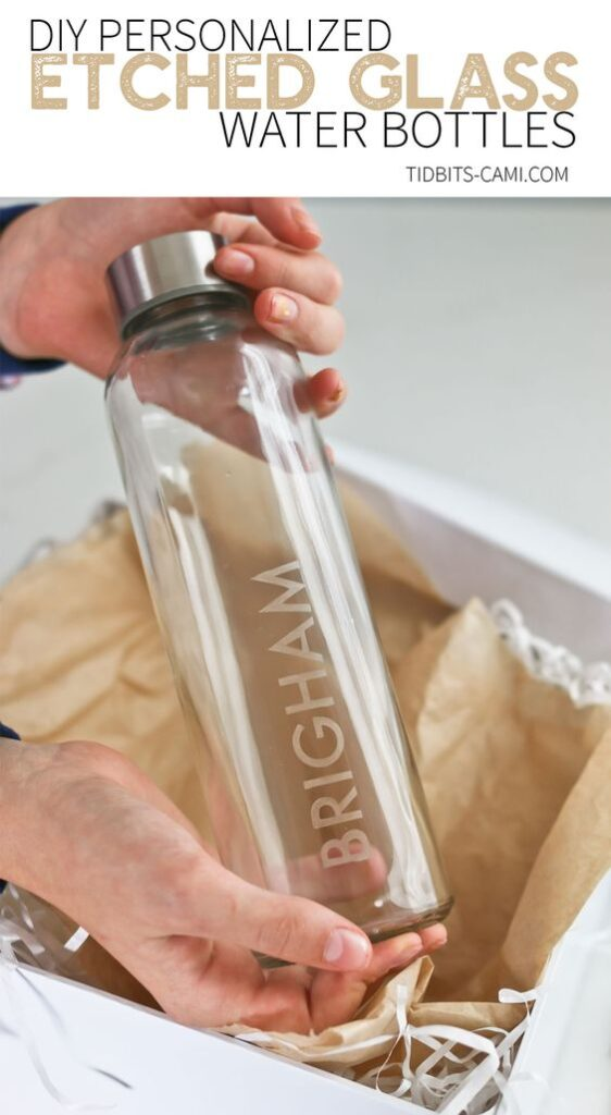 Easy Homemade Christmas Gifts; Personalized water bottle, glass water bottle
