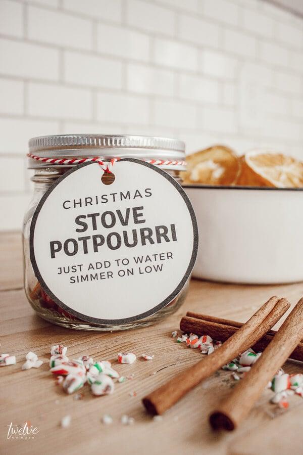 Easy Homemade Christmas Gifts; Stovetop  Potpourri; mason jar gifts