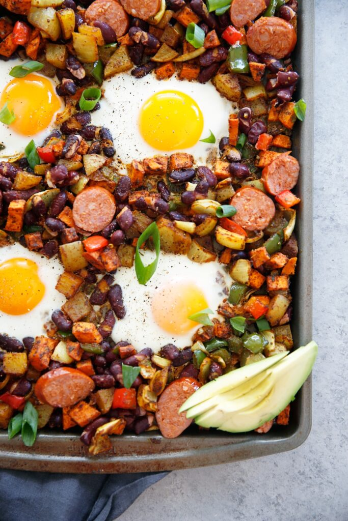 11 Sheet Pan Meals for Fast Weight Loss; Easy and quick meals made on one sheet pan that aid in rapid weigh loss! Eat healthy and get lean!