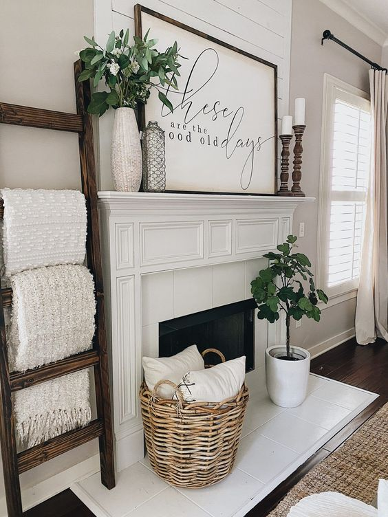 Farmhouse Wall Decor Ideas; Here are some rustic, country inspired decorations to fill that blank wall!