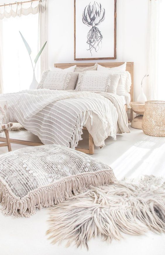 Cute Boho Bedroom Inspiration; Here are some neutral boho bedrooms ideas. Easy modern decor for a calm sleeping space!