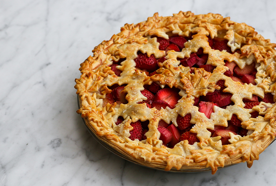 Canada Day Food Ideas: Recipes and Drinks - strawberry rhubarb pie for Canada Day