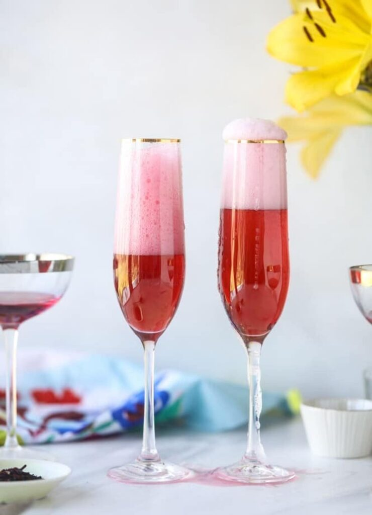 Delicious Summer Cocktail: rosé mimosa with hibiscus