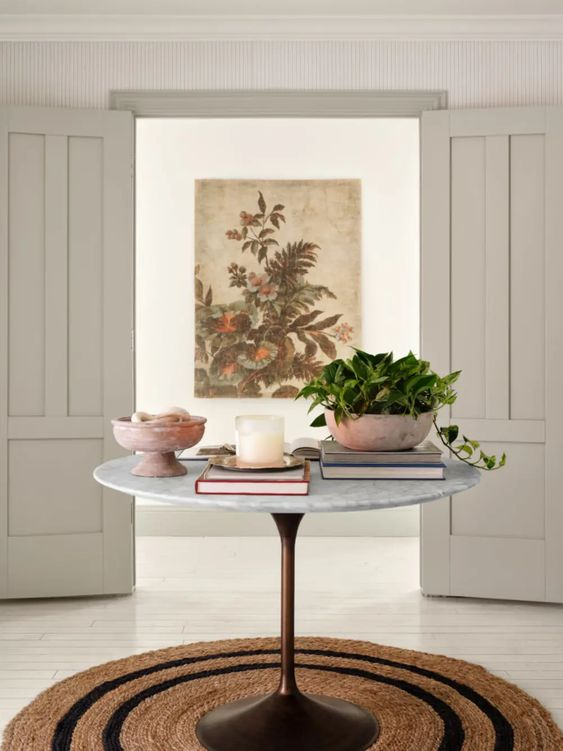 Best NEW Living Rooms by Joanna Gaines from Fixer Upper; hallway, center table, entryway, entry table with decor