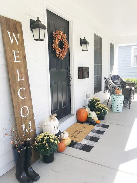 7 Fall Porch Decor Must Haves; welcome sign, checkered rug